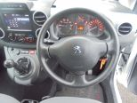 PEUGEOT PARTNER 1.6 HDI 75 625 PROFESSIONAL ** FSH ** ONE OWNER FROM NEW ** LOOK PACK -AIRCON ** FRONT AND REAR PARK SENSORS ** BLUETOOTH ** - 1360 - 27